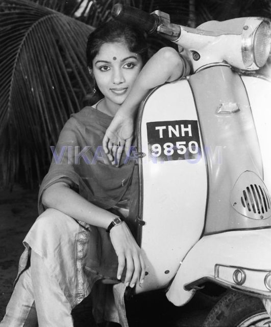 Tamil Actress Revathi Rare pictures