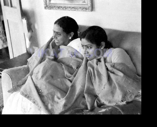 Tamil Actress Sridevi with her Mother