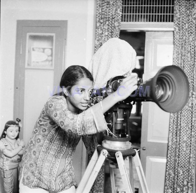 Tamil Actress Suhasini Operating Camera